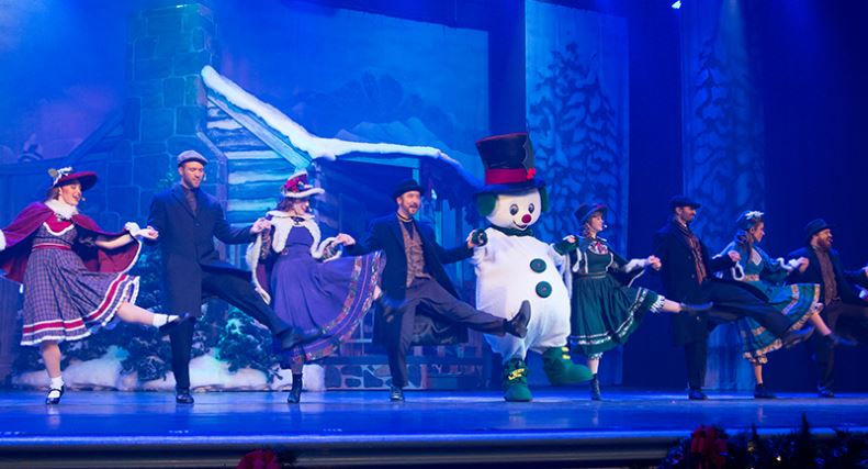 christmas in the smokies celebrity theatre dollywoods